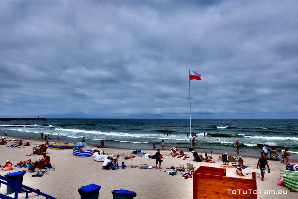 Kołobrzeg plaża przy latarni