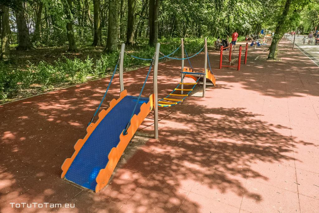 Kołobrzeg Plac zabaw Park S. Żeromskiego