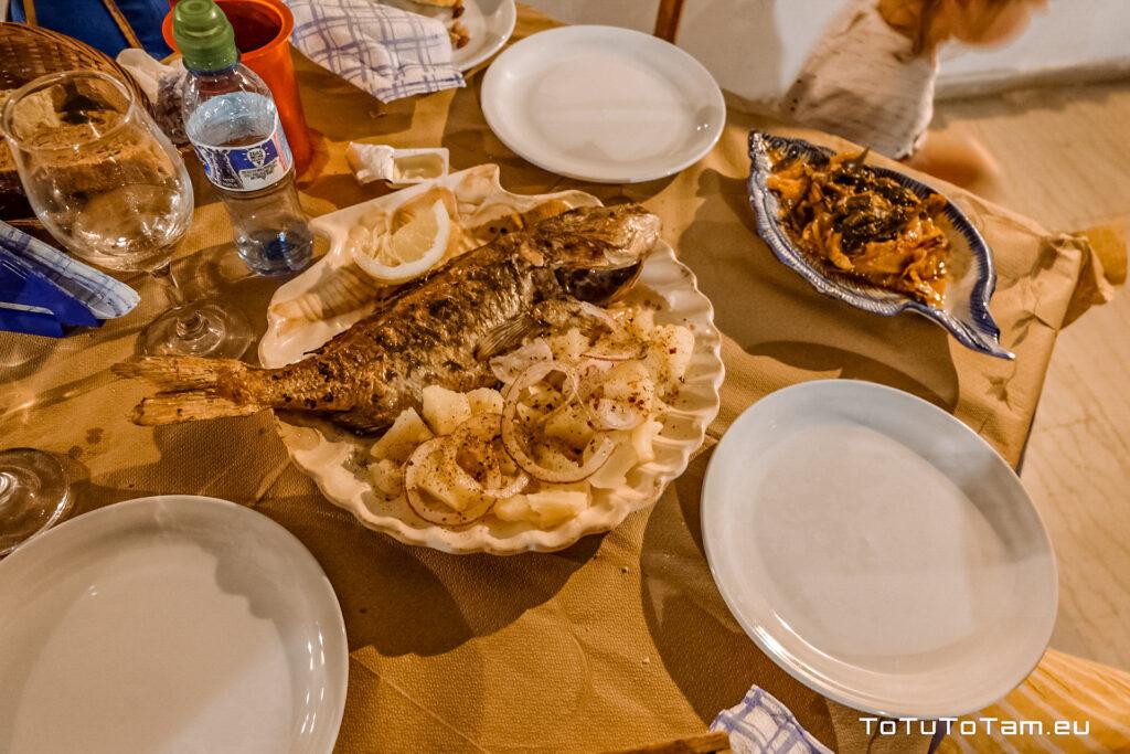 Czerwona dorada Vavilas Fish Taverna, Arillas Korfu