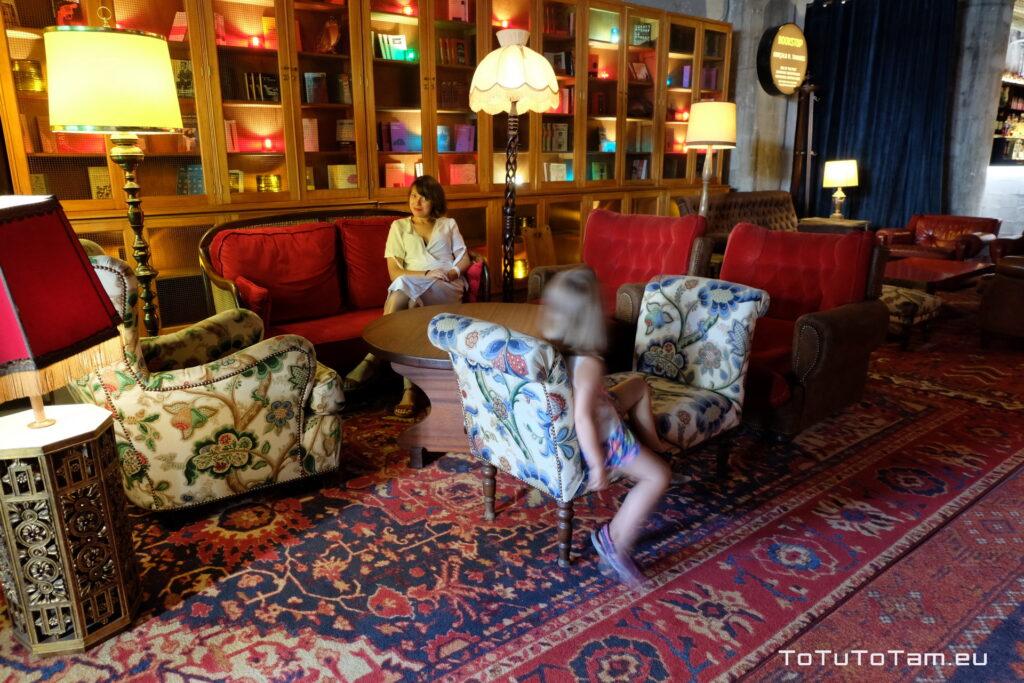 Hotel Zero Box Lodge Porto lobby